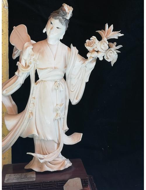 Statuette chinoise ivoire violon