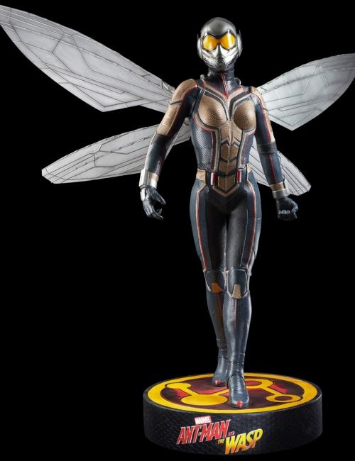 Statue La Guêpe (Wasp) Life Size - Taille réelle